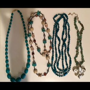 Bundle of 4 necklaces